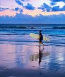 冲浪的行动迷离 免版税库存照片
