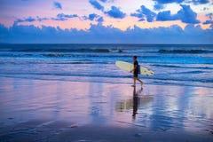 冲浪的行动迷离 库存照片