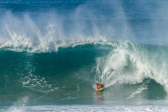 冲浪的Bodyboarding波浪 免版税图库摄影