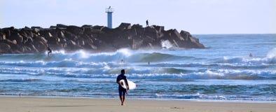 冲浪者在冲浪者天堂昆士兰澳大利亚 图库摄影