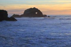 冲浪者在旧金山登陆末端 免版税库存图片