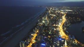 冲浪者天堂,澳大利亚2016年12月,4日:对冲浪者天堂南部的夜视图从Q1大厦的 影视素材