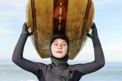 年轻冲浪者 库存图片