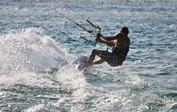 冲浪Gold Coast澳洲的风筝 免版税库存照片