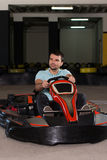 冲的Kart和停机拦截网Karting种族 图库摄影