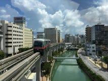 冲绳岛单轨铁路车:Yui路轨(早晨) 免版税库存照片