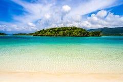 冲绳岛热带海岛的海滩天堂  免版税库存照片