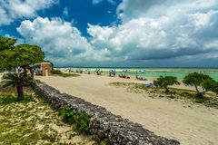 冲绳岛热带海岛的海滩天堂  库存照片