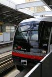 冲绳岛- 10月8日:单轨铁路车在冲绳岛, 2016年10月8日的日本 库存照片