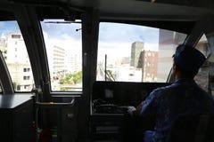 冲绳岛- 10月8日:单轨铁路车在冲绳岛, 2016年10月8日的日本 免版税库存照片
