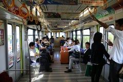 冲绳岛- 10月8日:单轨铁路车在冲绳岛, 2016年10月8日的日本 图库摄影