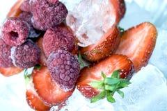 冷冻莓成熟草莓 库存照片