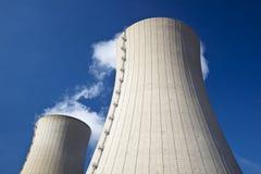 冷却的通入蒸汽的塔 库存图片