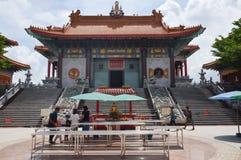 冷家Nei伊2中国人寺庙正门在泰国 图库摄影