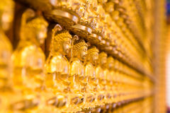 冷家Noei伊2寺庙的金黄Chainese菩萨 库存照片