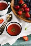 冷汤草莓 库存照片
