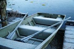 冷淡的充气救生艇 免版税库存图片