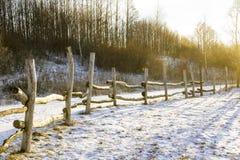 冷漠的木篱芭 免版税库存照片