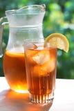 冷玻璃杯冰茶 免版税图库摄影