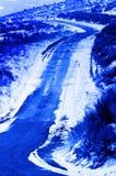 冷的斯诺伊雪冬天路 库存照片