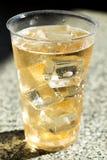 冷的杯啤酒 免版税库存图片