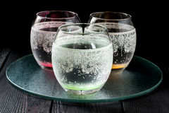 冷的纯净的矿泉水 免版税库存照片