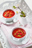 冷的草莓汤为热的夏天 免版税库存照片