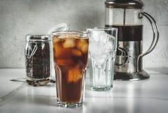 冷的酿造冰了咖啡 免版税库存照片