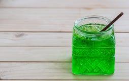 冷的绿色苏打 库存图片