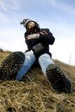 冷颤的女孩天气 库存图片