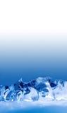 冷冻冰寺庙 冻结的水晶蓝色背景,抽象形状 宏观看法浅景深 复制空间 免版税库存图片