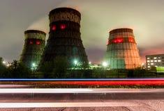 冷却塔同时发热发电-哈巴罗夫斯克,俄罗斯 库存图片