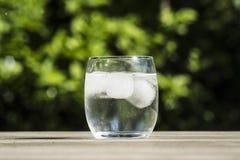 冷玻璃杯水 库存图片