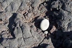 冷却的黑熔岩 库存照片