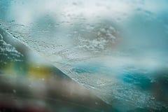冻和五颜六色的玻璃窗 免版税库存照片