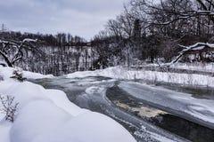 冻河- Chittenango落国家公园- Cazenovia,新的Yor 库存照片