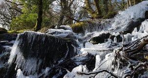 冻瀑布Dartmoor国家公园在德文郡英国 库存图片