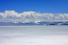 冻结湖黄石 免版税图库摄影