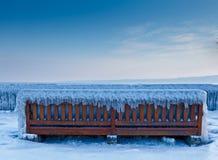 冻结的长凳 免版税库存图片