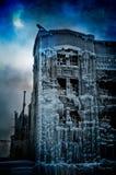 冻都市城堡:超现实主义的幻想概念 免版税库存图片