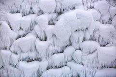 冻雪花创造了有趣的形式和容量 库存照片