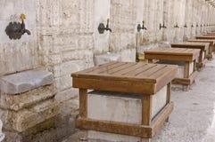洗净液的龙头在Suleiman的清真寺 免版税库存图片