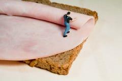 准备三明治的火腿 图库摄影