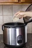 准备在烹饪器材的米 图库摄影