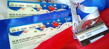 准备在2017年输入联邦杯和世界杯的比赛2018年在俄罗斯 被设置的爱好者-票和id卡片 库存照片