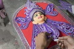 准备女神杜尔加黏土神象,加尔各答,加尔各答,印度的艺术家 免版税库存图片