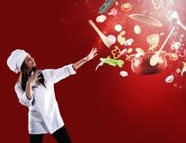 准备好不可思议的厨师烹调一个新的圣诞节盘 库存图片
