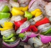 准备好新鲜的虾的烤肉烤 免版税库存图片