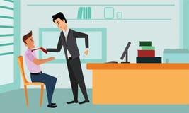 准备好的商人攻击他的同事,劫掠他由领带和猛击他在面孔 免版税图库摄影
