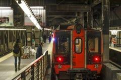 准备好的火车在纽约离开 库存照片